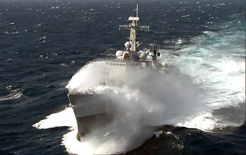 marineschepen met slecht weer op zee. Black Bedroom Furniture Sets. Home Design Ideas